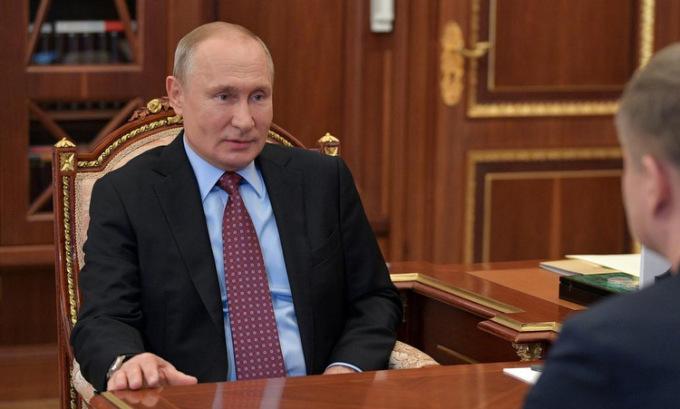 Putin trở lại Điện Kremlin