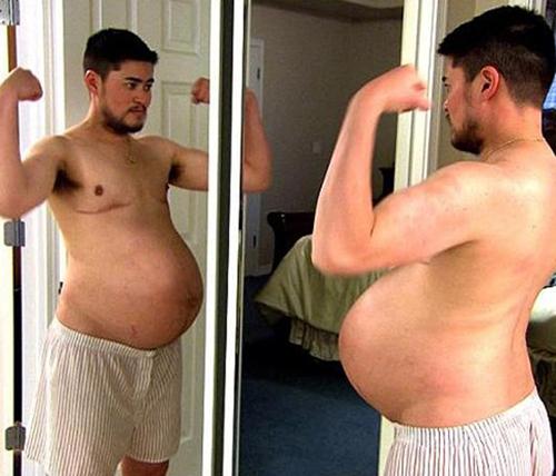 Thomas Trace Beatie trong bộ phim tài liệu Pregnant Man khi lần đầu mang thai vào năm 2008. Ảnh:Pregnant Man