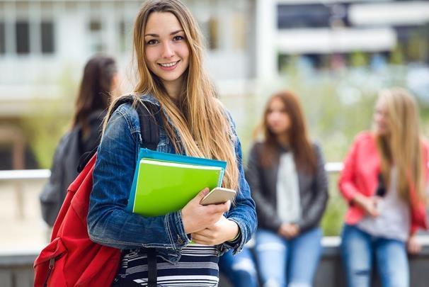 Hiện nhiều trường Australiagiảm phí nộp học lần đầu, chỉ còn 50% so với trước.