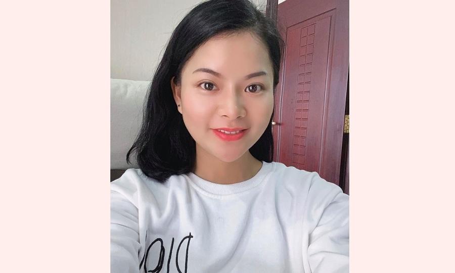 Cô gái dạy ngoại ngữ miễn phí cho người Việt tại Singapore