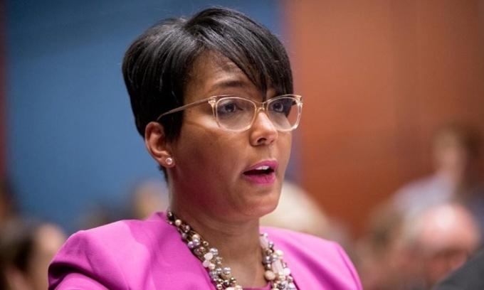 Thị trưởng Atlanta Keisha Lance Bottoms phát biểu tại Thượng viện Mỹ hồi tháng 7 năm ngoái. Ảnh: AP.