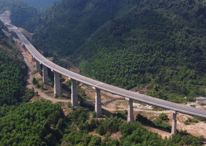 Cao tốc La Sơn - Túy Loan sẽ kết nối với các đoạn cao tốc Bắc Nam sắp triển khai. Ảnh: Võ Thạnh