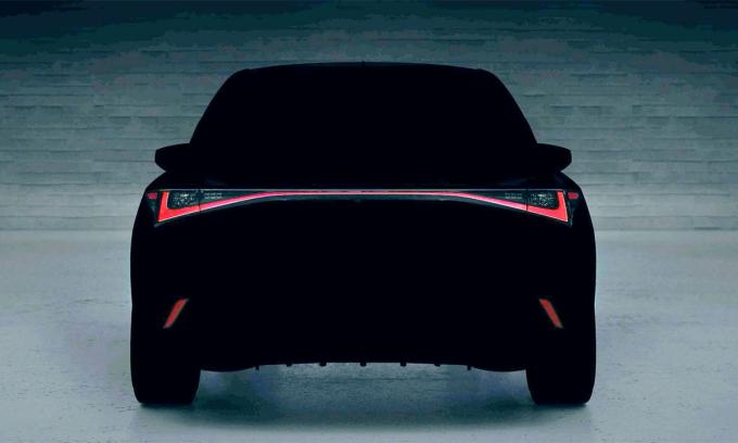 Xe sang IS thế hệ mới có dải đèn LED bao trùm cả chiều rộng. Ảnh: Lexus