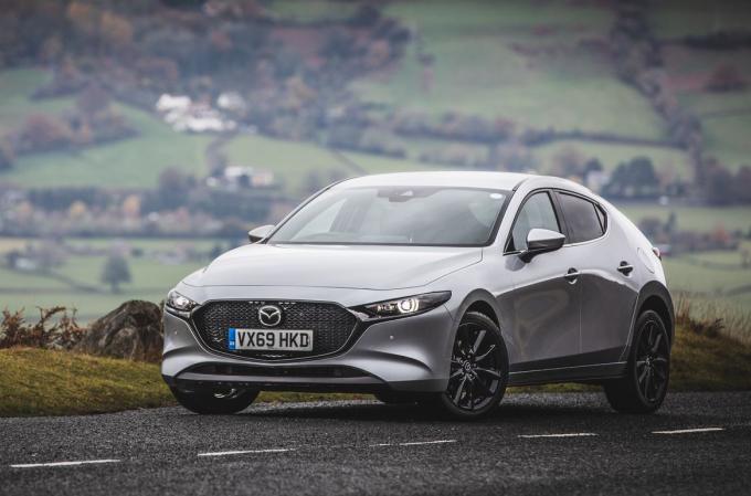 Mazda3 hatchback hiện hành. Ảnh: CarThrottle