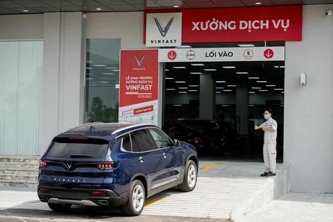 VinFast Lux SA2.0 tại xưởng dịch vụ chính hãng.