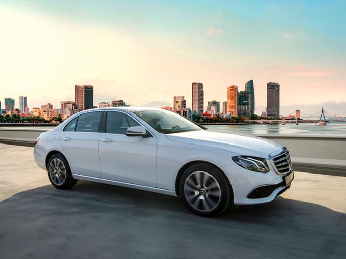 Mercedes E 200 Exclusive 2020 là mẫu xe nằm trong ưu đãi của đại lý Vietnam Star.