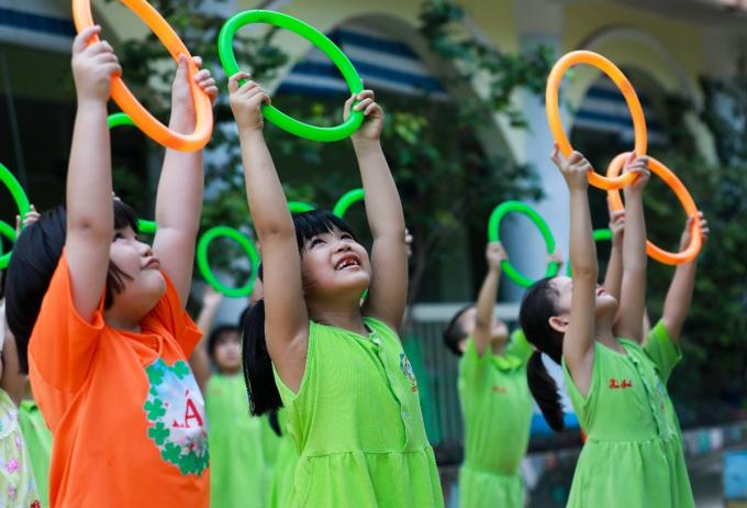 Học sinh tập thể dục tại trường để nâng cao sức khỏe. Ảnh: Quỳnh Trần.