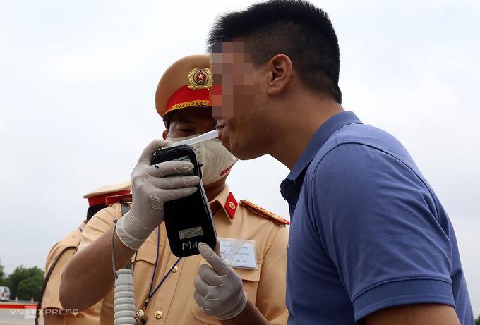 Cục trưởng CSGT: xử phạt 400.000 tài xế vi phạm trong tháng tổng kiểm soát