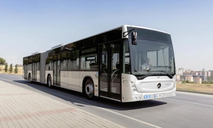 Một mẫu xe buýt hiệu Mercedes. Ảnh: Daimler