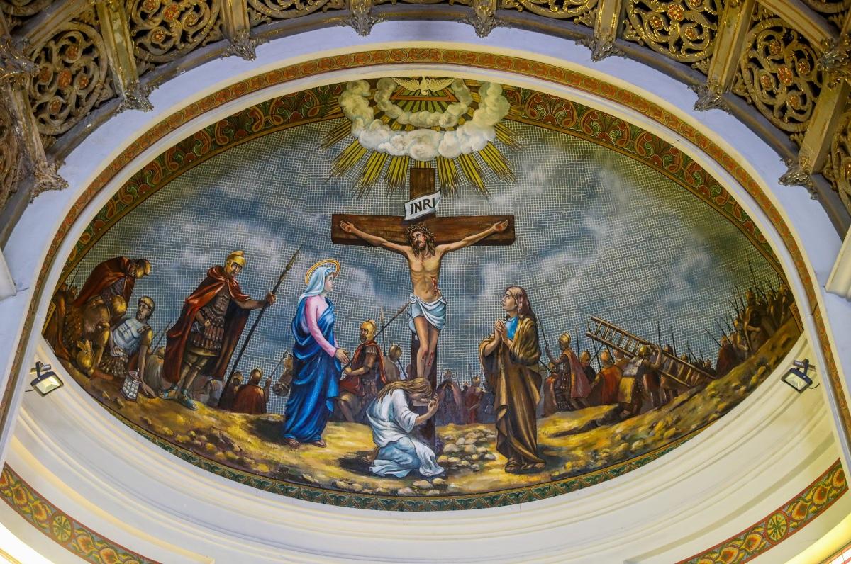Nhà thờ 99 tuổi của gia đình Nam Phương hoàng hậu - 10