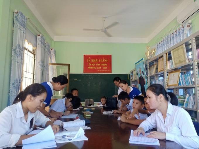 Lớp dạy trẻ khuyết tật của những cô giáo về hưu