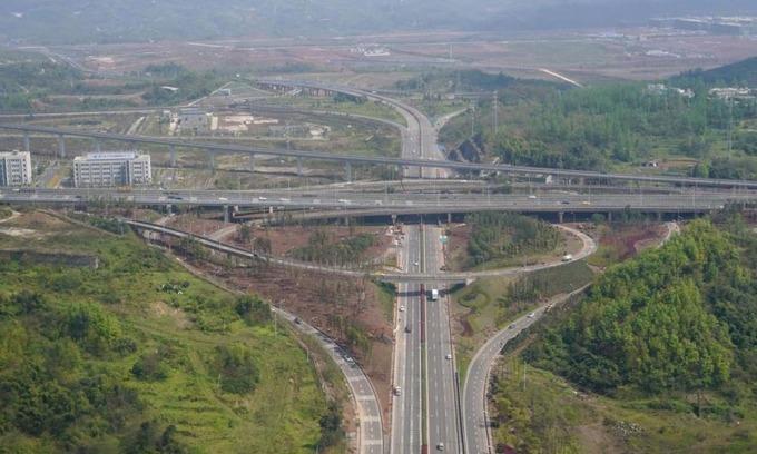 Hệ thống giao thông được phát triển ở thành phố Trùng Khánh, phía tây nam Trung Quốc, hồi tháng 3/2019. Ảnh:Xinhua.