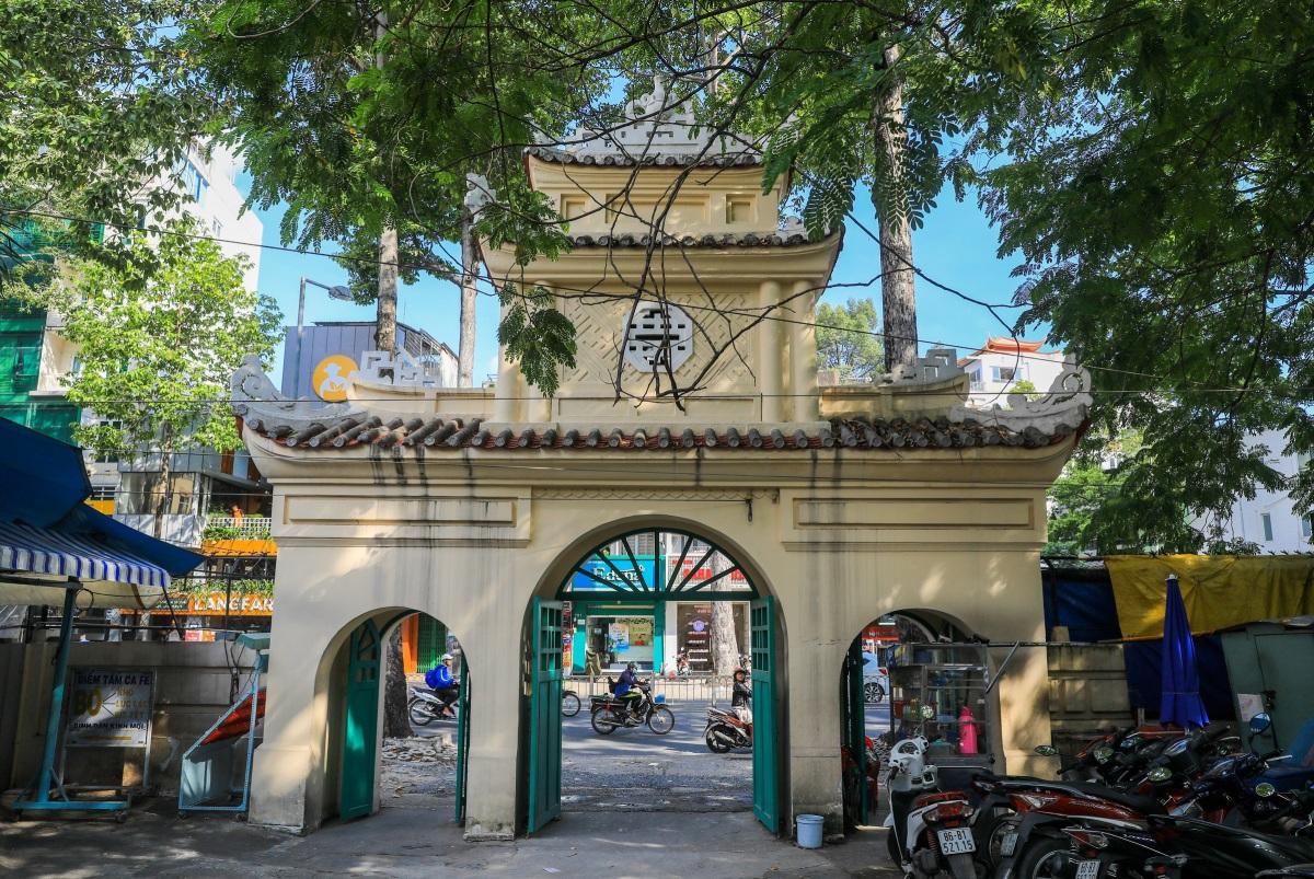 Lăng mộ trăm tuổi của nhà bác học Trương Vĩnh Ký - 2
