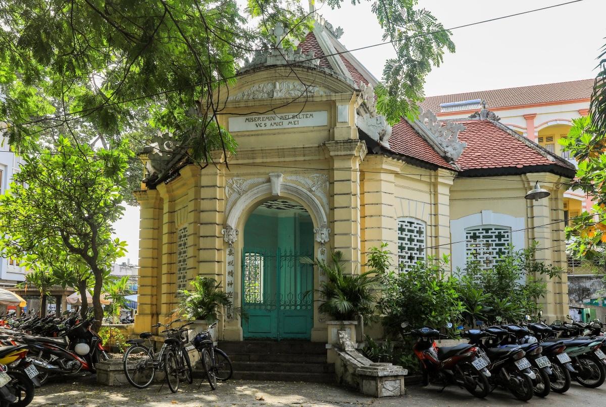 Lăng mộ trăm tuổi của nhà bác học Trương Vĩnh Ký - 3