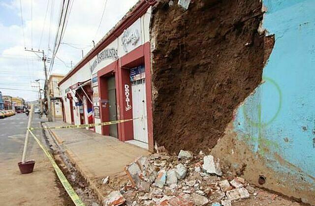 Nhân chứng: Động đất rung chuyển như