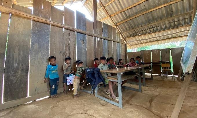 Lớp tiểu học cũ tại Huổi Áng.
