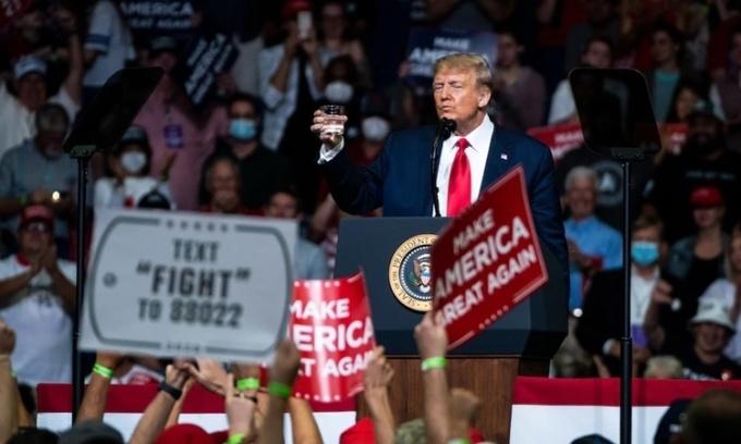 Trump nỗ lực dập hình ảnh yếu đuối