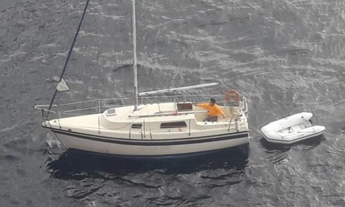 Nghi phạm tấn công tình dục trốn trong lỗ thông gió của tàu