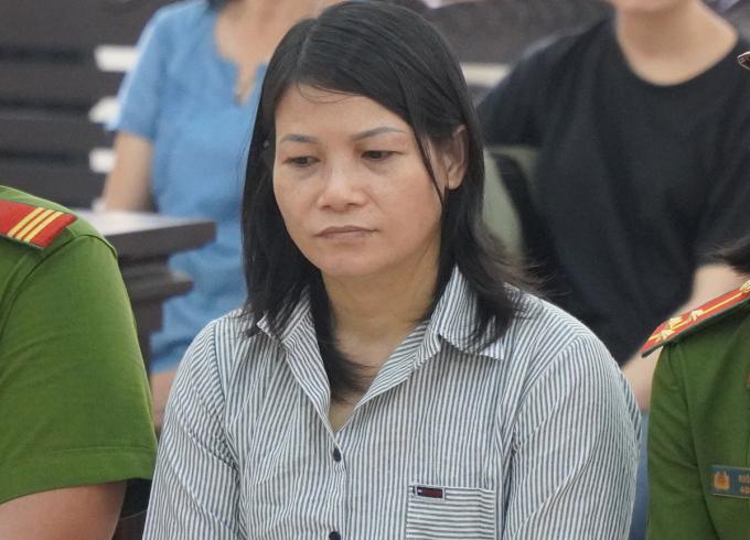 Bị cáo Tâm Huyên với khuôn mặt lặng lẽ tại tòa. Ảnh: Phước Tuấn