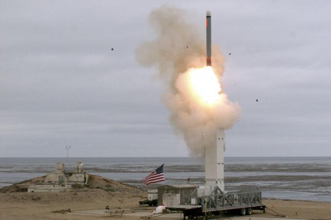 Trung Quốc dọa đáp trả nếu Mỹ đưa tên lửa tầm trung tới Nhật