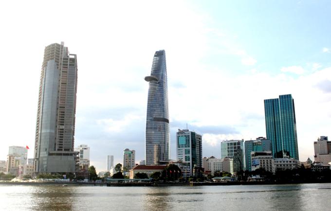 Cao ốc bỏ hoang ở Sài Gòn liên quan