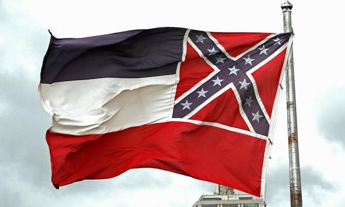 Mississippi thay cờ bang có biểu tượng Liên minh miền Nam