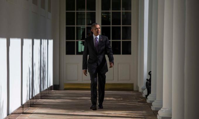 Cựu tổng thống Barack Obama ở Nhà Trắng, thủ đô Washington, hồi tháng 11/2016. Ảnh: NYTimes.
