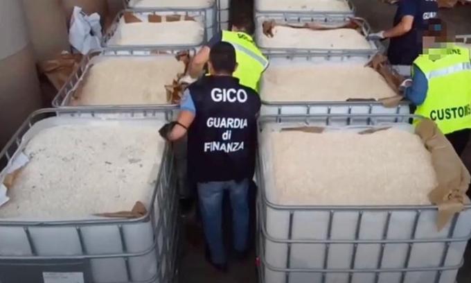 Italy thu giữ hơn một tỷ USD ma túy của IS