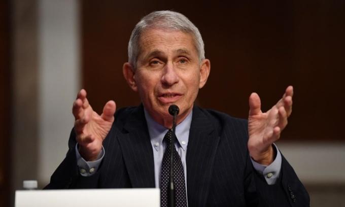Fauci: Mỹ đi sai hướng trong chống Covid-19