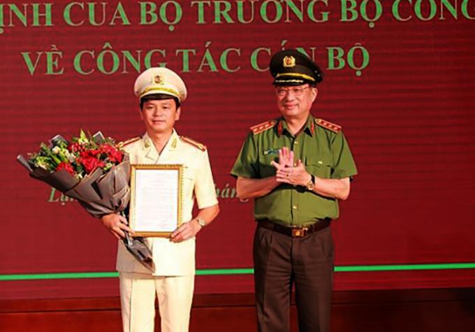 Đại tá Thái Hồng Công nhận quyết định bổ nhiệm. Ảnh: Bộ Công an