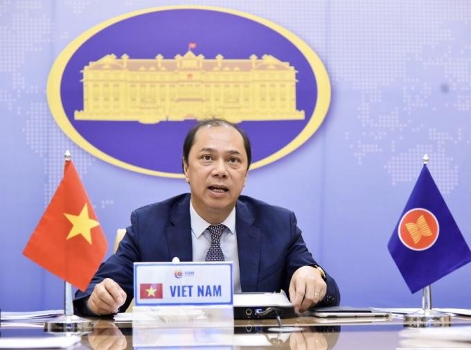 Thứ trưởng Ngoại giao Nguyễn Quốc Dũng phát biểu tại hội nghị. Ảnh: BNG.