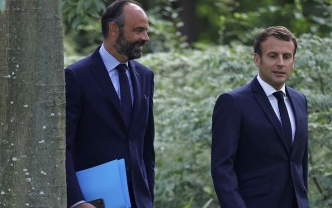 Cựu thủ tướng làm mờ ánh hào quang của Macron