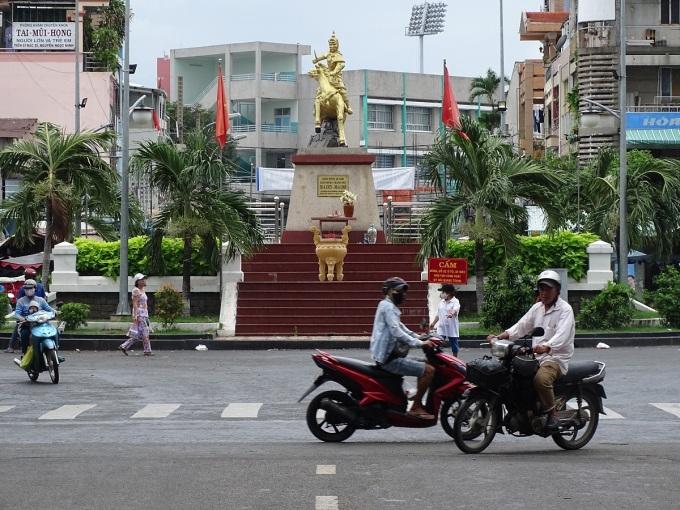 Khu vực tượng đài Quang Trung được kỳ vọng tạo điểm nhấn cho phố đi bộ ở quận 10. Ảnh: Hà An.