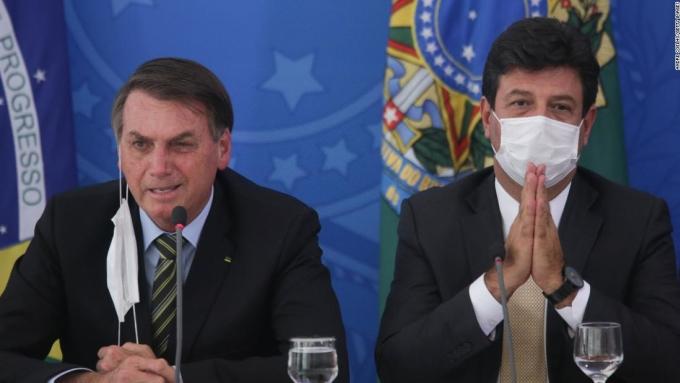 Lo ngại gia tăng khi Tổng thống Brazil nhiễm nCoV