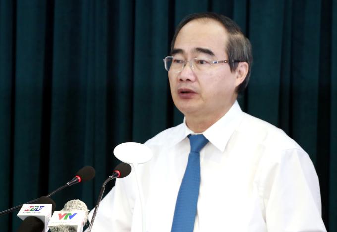 Bí thư Thành ủy TP HCM Nguyễn Thiện Nhân phát biểu bế mạc Hội nghị Thành ủy lần thứ 42. Ảnh: Hữu Công.