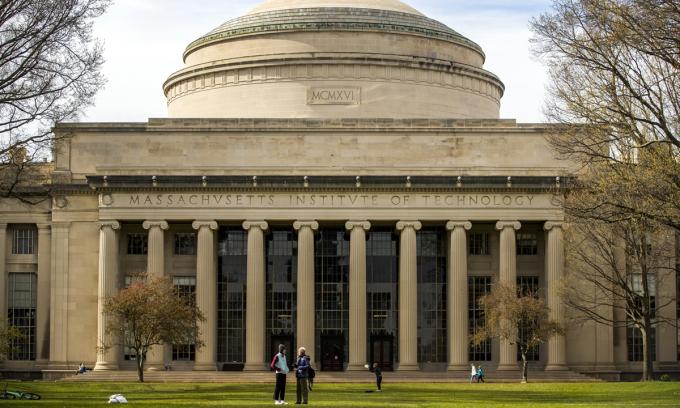 Viện Công nghệ Massachusetts (MIT) ở Cambridge, hôm 20/4. Ảnh: Bloomberg.