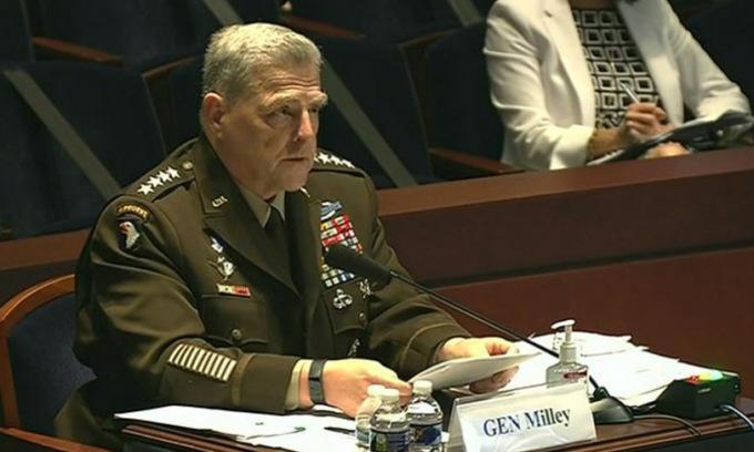 Tướng Milley trong cuộc điều trần tại quốc hội hôm 9/7. Ảnh: Lầu Năm Góc.