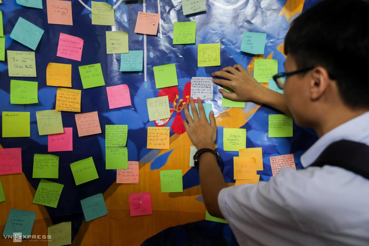 Học sinh trường chuyên Lê Hồng Phong chia tay tuổi học trò