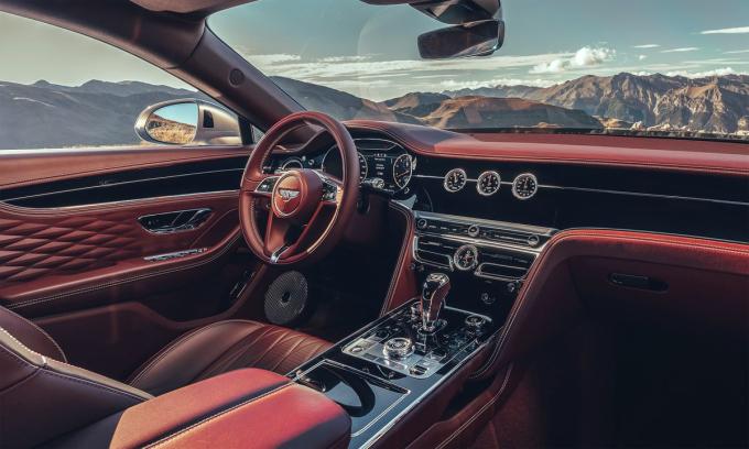 Nội thất của Bentley Flying Spur, xe đắt nhất trong danh sách. Ảnh: Bentley