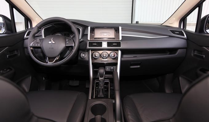 So với bản nhập khẩu, Xpander AT lắp ráp không có khác biệt. Ảnh: Mitsubishi