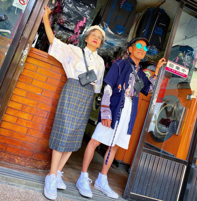 Ông bà chủ tiệm giặt ủi trở thành biểu tượng thời trang - 6