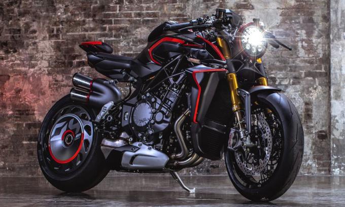 Rush 1000 với ngoại hình hầm hố, tông tối màu, sức mạnh 208 mã lực. Ảnh: MV Agusta