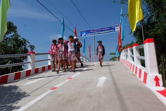 Hành trình 150 cây cầu của Quỹ Hy vọng - 4