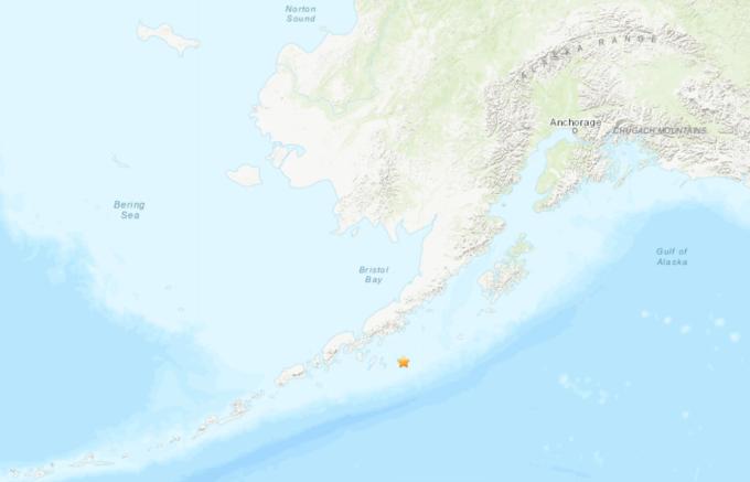 Vị trí xảy ra động đất ở vùng biển ngoài khơi bán đảo Alaska, Mỹ, hôm nay. Đồ họa: USGS