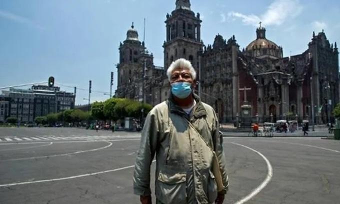 Hướng dẫn viên du lịch người Mexico Jesus Yepez. Ảnh: AFP.