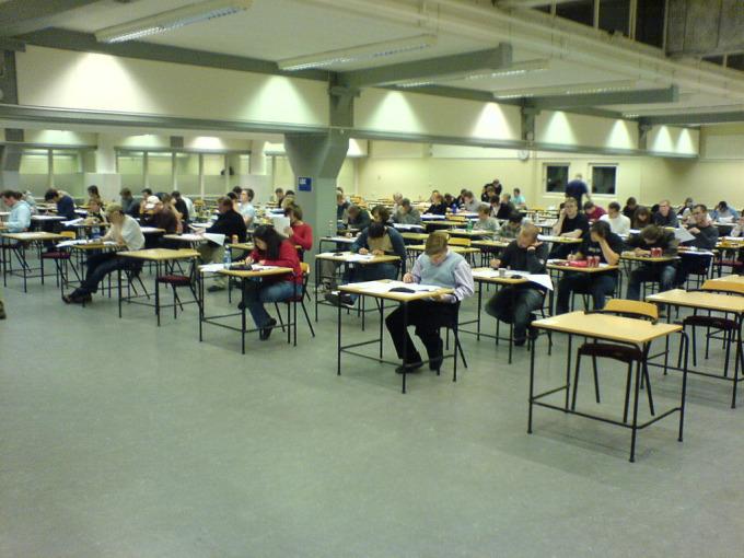 Kỳ thi TOEFL được tổ chức lần đầu tiên vào năm 1964Kỳ thi TOEFL được tổ chức lần đầu tiên vào năm 1964.