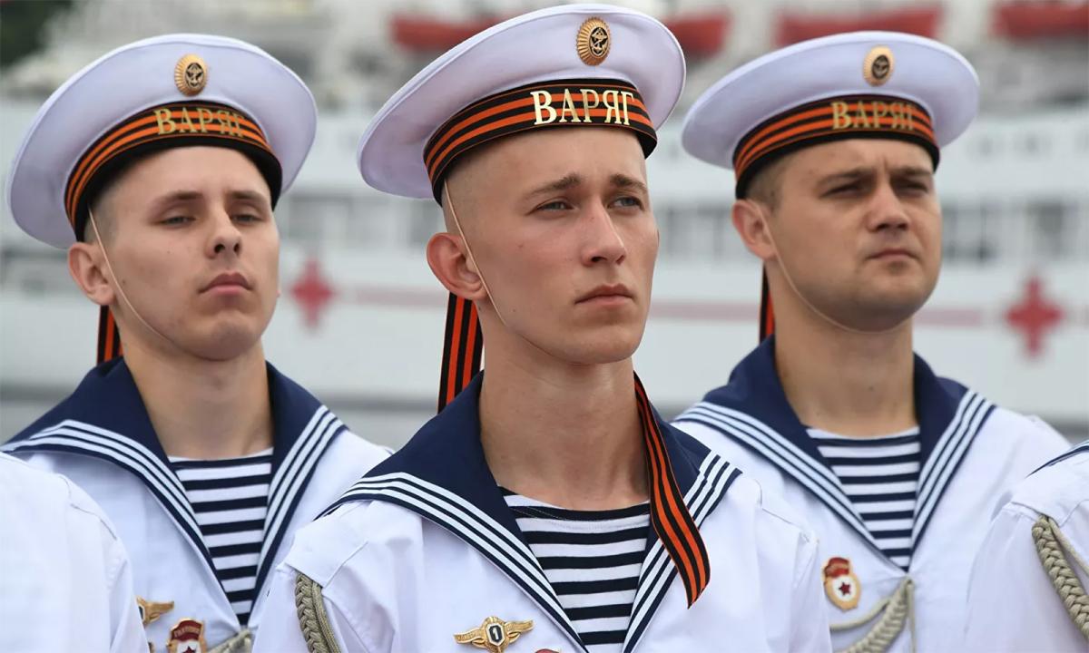Hải quân Nga duyệt binh phô diễn sức mạnh