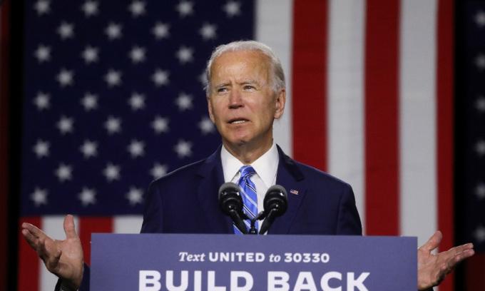Joe Biden, ứng viên tổng thống đảng Dân chủ, phát biểu tại thành phố Wilmington, bang Delaware, Mỹ, hôm 14/7. Ảnh: Reuters.