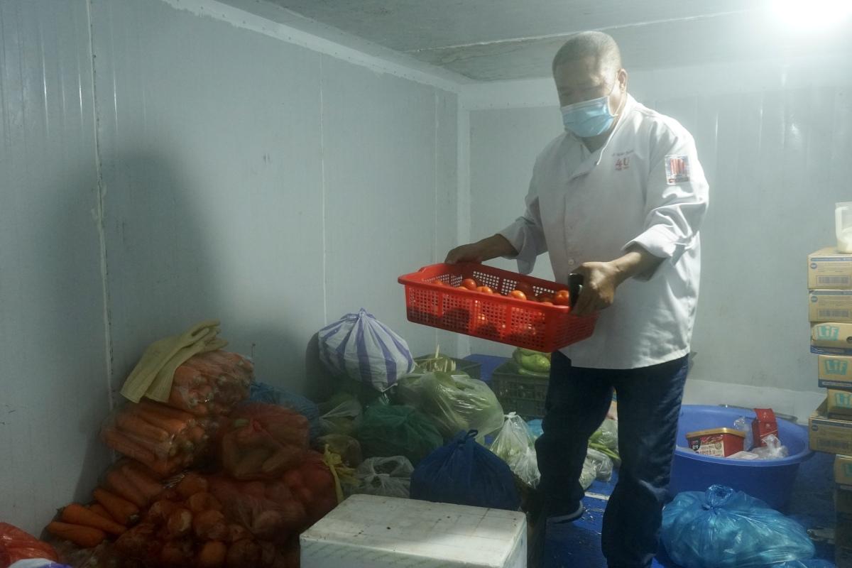 Nấu 800 suất ăn miễn phí phục vụ ba bệnh viện Đà Nẵng