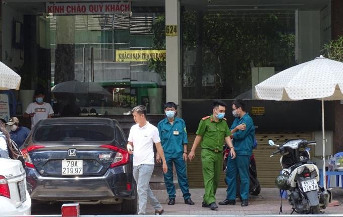 Bệnh nhân 449 và 450 lưu trú nhiều nơi, điều trị nhiều bệnh viện trước khi được xác định nhiễm Covid-19. Ảnh: Hà An.